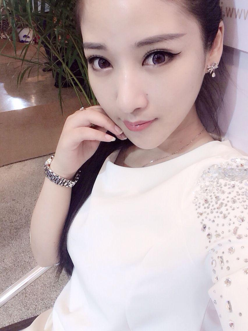 uc九游展台chinajoy美女赵莉莎