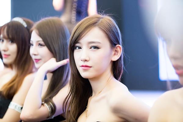 高质量的18位美女_现场美女电眼 高质量 大图