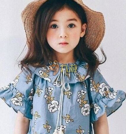 宝宝模特ellie个人资料照片  5岁混血模特大眼妆走红网络,大眼萌萌的